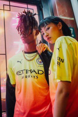 Áo CLB Man City 2020 Sân Khách 2 Màu Vàng Hồng 9