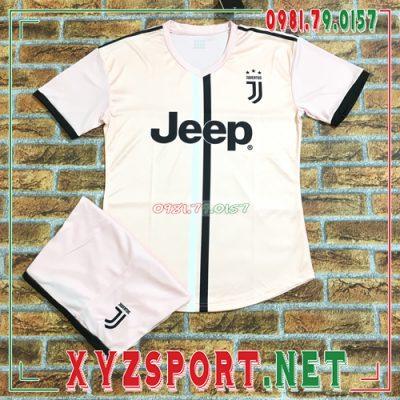 Tổng hợp 7 mẫu áo bóng đá câu lạc bộ Juventus đẹp nhất mùa giải 2020 - 2021 2