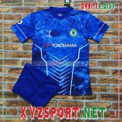 Những mẫu áo Chelsea mới nhất đang được săn đón trên thị trường 2