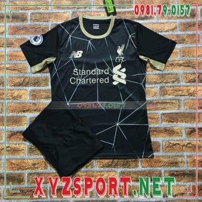 5 loại vải tốt nhất thường dùng may áo đấu Liverpool 2020 mới 2